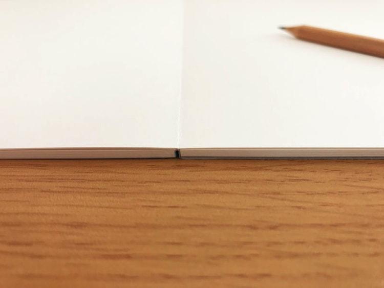 水平開きノート A4サイズスケッチブック20枚水平開き